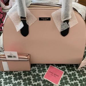 Gorgeous Kate Spade ♠️ Crossbody W wallet Set